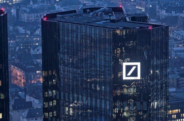 Deutsche bank ha troppi derivati in pancia